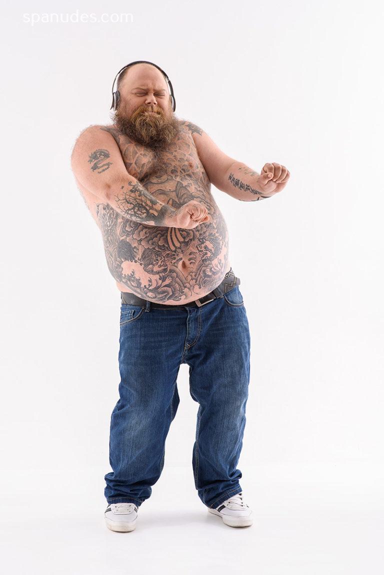 предварительным данным картинка где танцевал толстый мужчина но перестал скорее